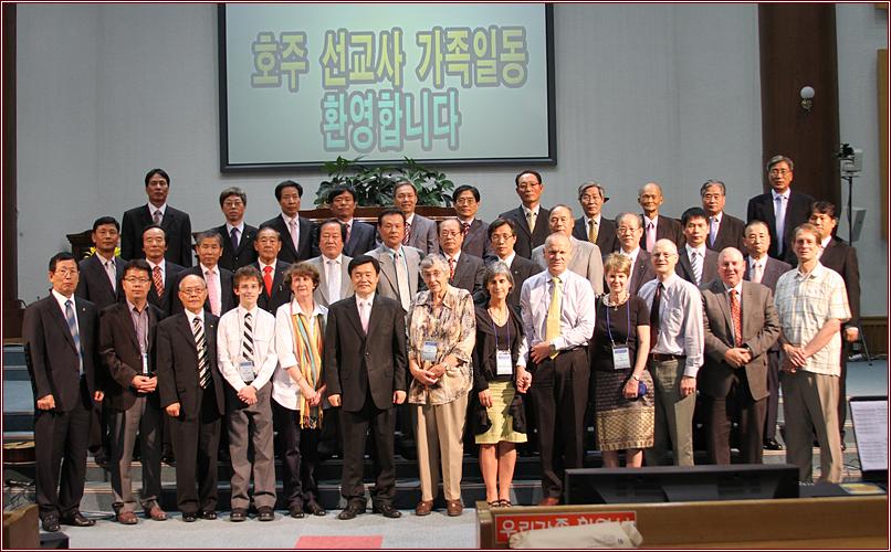 호주선교사단체사진101003a4.jpg